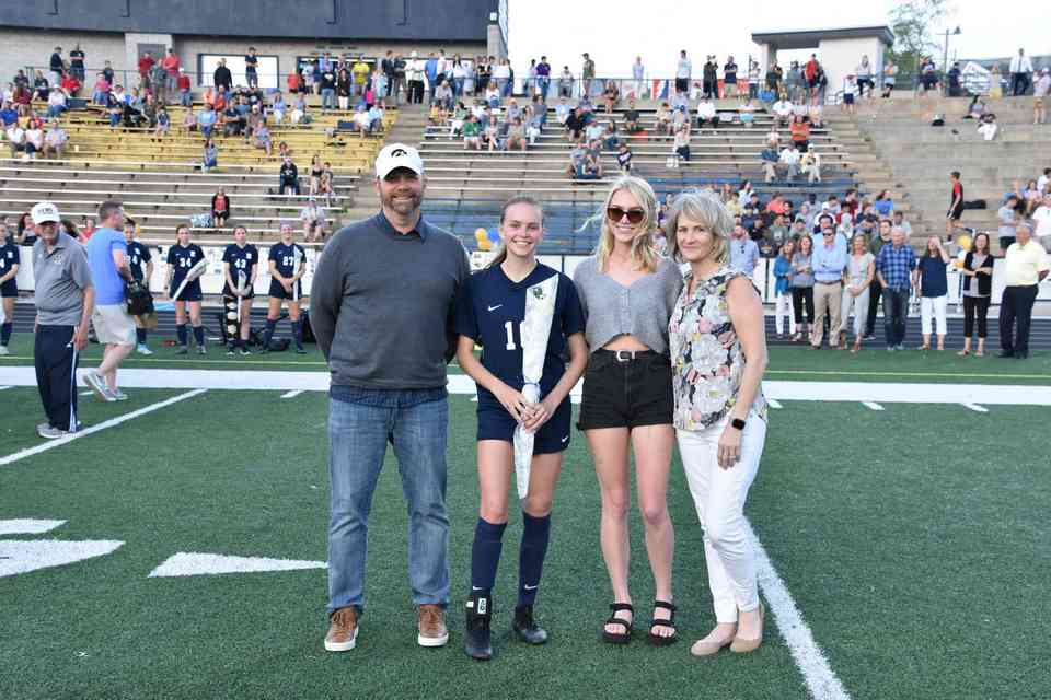 Reagan Hakes and family