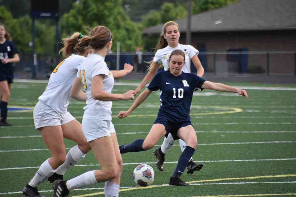 Reagan Hakes scores the first goal